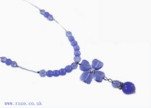 Blue bead necklace, (jn5)